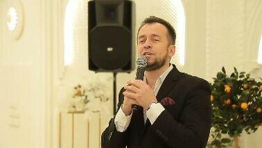 Звезда татарской эстрады выпускает для школ Казани книги с дополненной реальностью