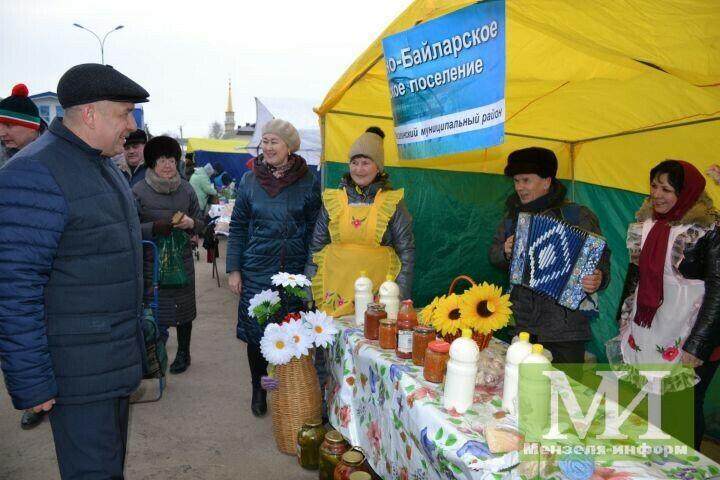 В Мензелинске состоялась праздничная ярмарка при участии местных и башкирских КФХ