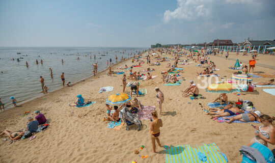 Россиянам разрешили не носить маски на пляже