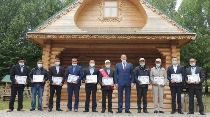 В Балтасинском районе Татарстана «батыру сева» подарили барана
