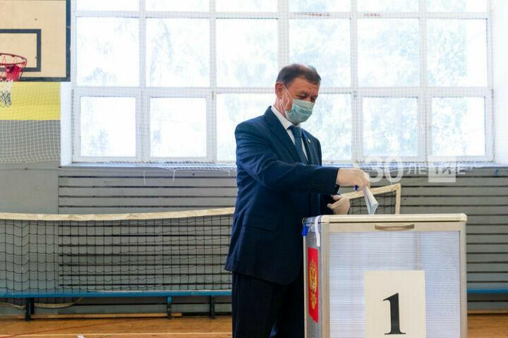 Салахов о голосовании по поправкам к Конституции: Важно увидеть мнение народа