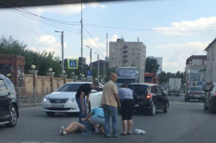 В Казани иномарка на «зебре» сбила женщину, пострадавшая с травмами в больнице
