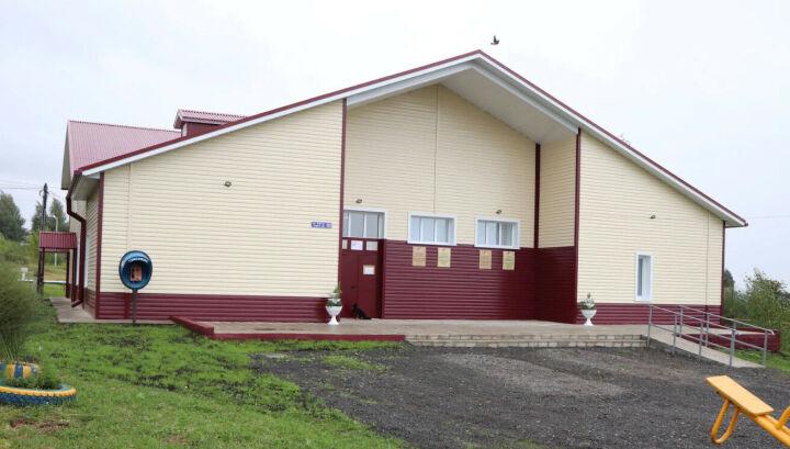 В Печищах открыли обновленный сельский Дом культуры