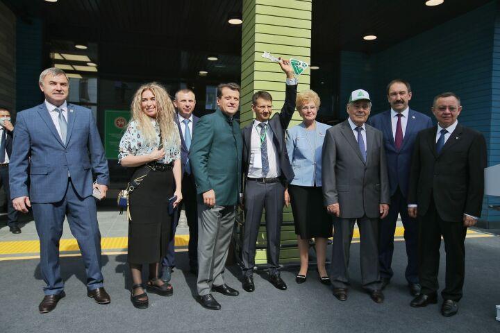 Около ста детей из районов РТ захотели учиться в полилингвальной школе Казани