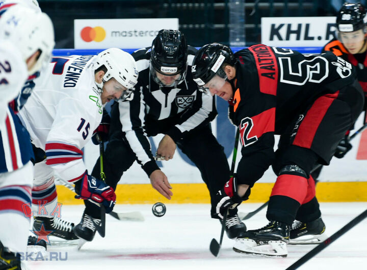 Хоккейный «Нефтехимик» проиграл СКА в Санкт-Петербурге