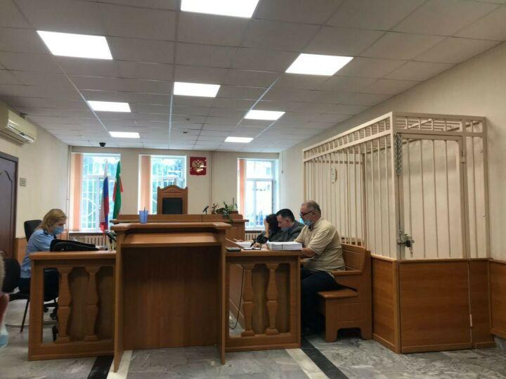 «Билет я так и не получил»: в Казани выступили потерпевшие по делу о «военниках»