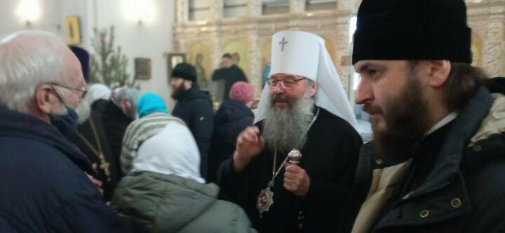 Митрополит Кирилл посетил храмы и осмотрел стройку православной гимназии в Челнах