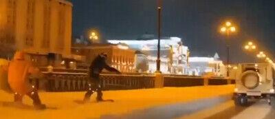 В Казани оштрафовали водителя, катавшего сноубордистов по дорогам в центре города