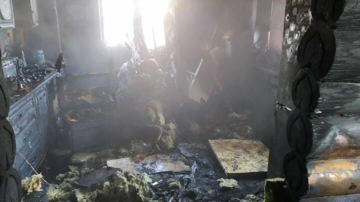 Появилось видео с места пожара, в котором погибли четверо членов семьи