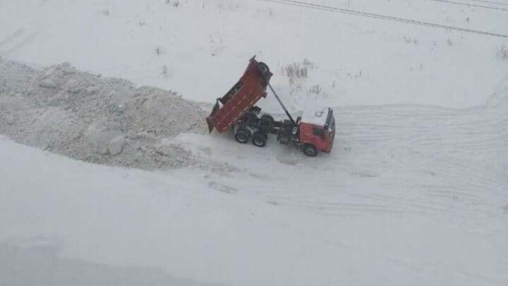 В 2021 году Казань стала «лидером» по количеству несанкционированных свалок снега