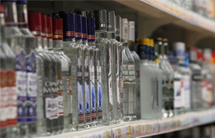 «Лучше водки ничего не создали»: Стало известно, как лечат выпивших суррогат
