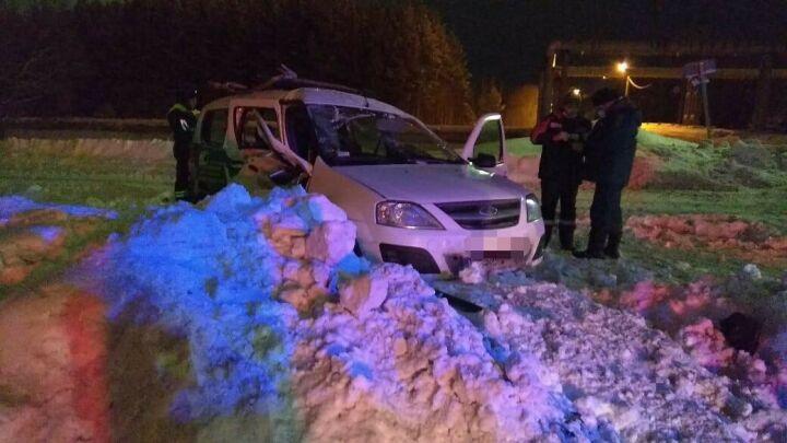 Два человека пострадали в столкновении двух авто в промзоне под Нижнекамском