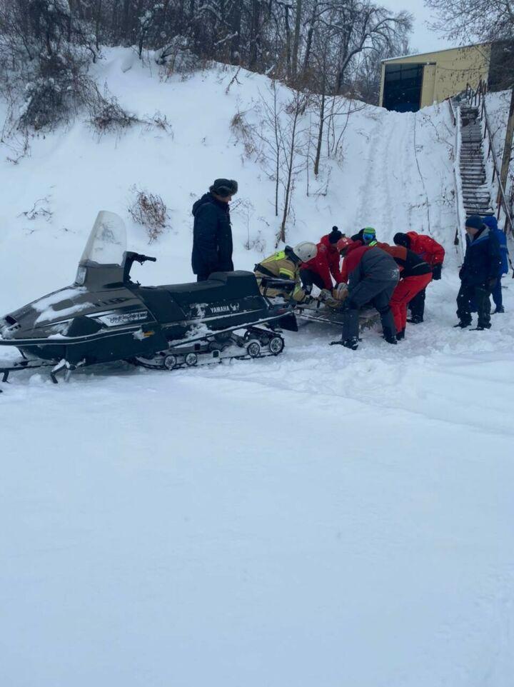 Спасли сноубордиста, который упал с высокого склона в РТ