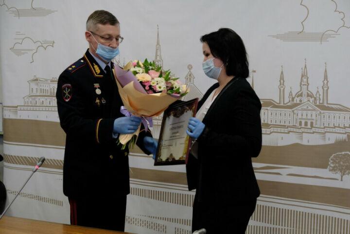 Врача-инфекциониста МВД РТ наградили за вклад в борьбу с Covid-19