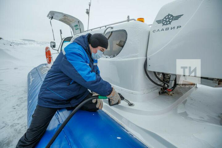 В Татарстане заработала первая плавучая передвижная заправка на Волге