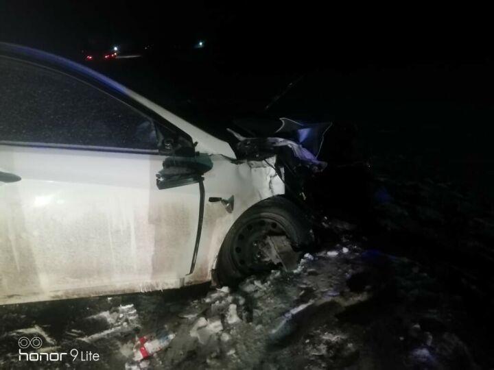 Водитель авто уснул на трассе в Татарстане и влетел в автовоз