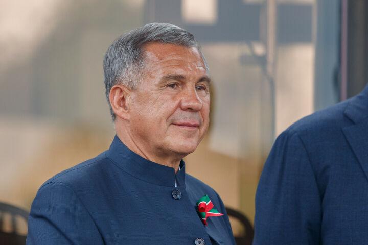Минниханов ознакомился с планами расширения двух предприятий Бавлов