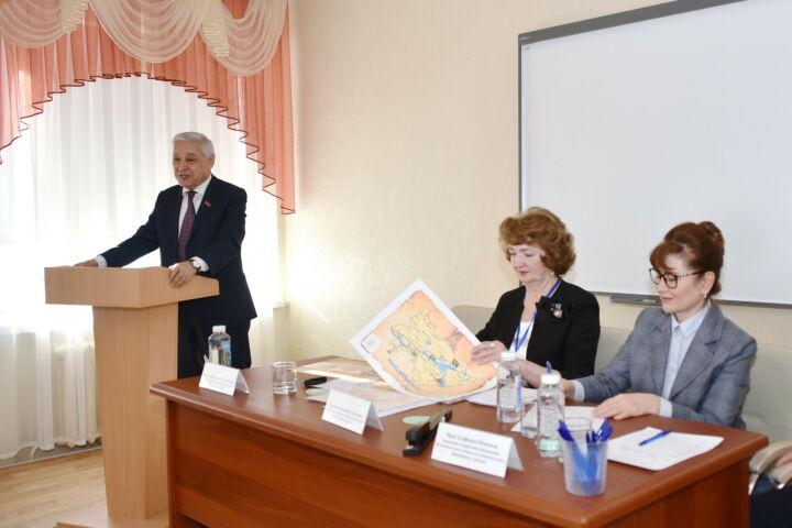 Мухаметшин – школьникам: Татарстан выбрал путь межнационального мира и согласия