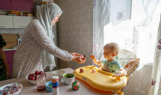 Поддержка многодетных и уроки семейного счастья: главные темы клуба «Волга»