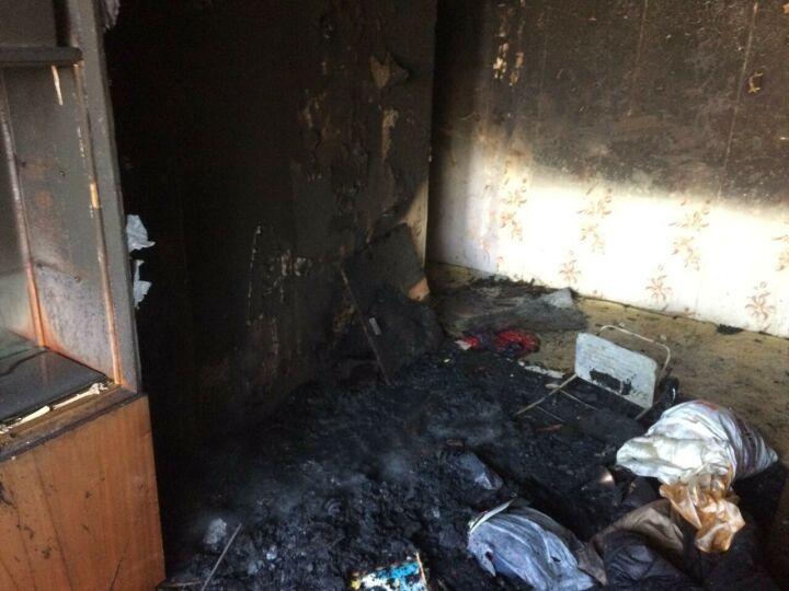 В Казани спасли из пожара женщину, которая с балкона звала на помощь