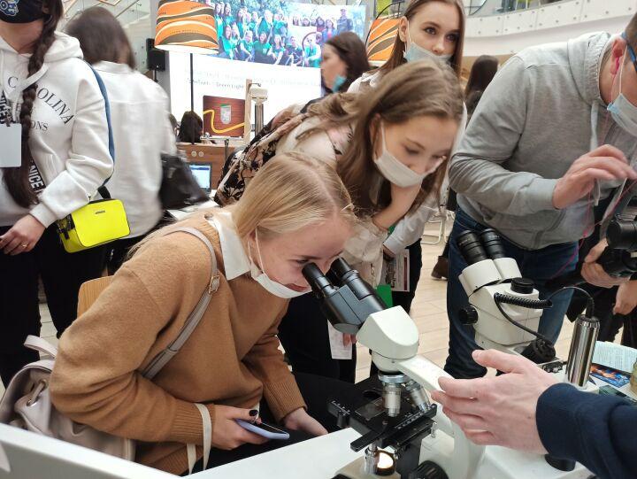«Как стать востребованным»: школьники из Казани выбирают профессию на «ЭкоХабе»
