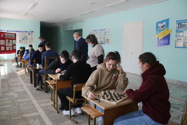 Шахматные зоны открыли в школах Мамадышского района