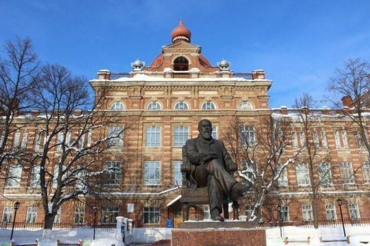 В Елабужском институте КФУ открыта регистрация на курсы татарского языка