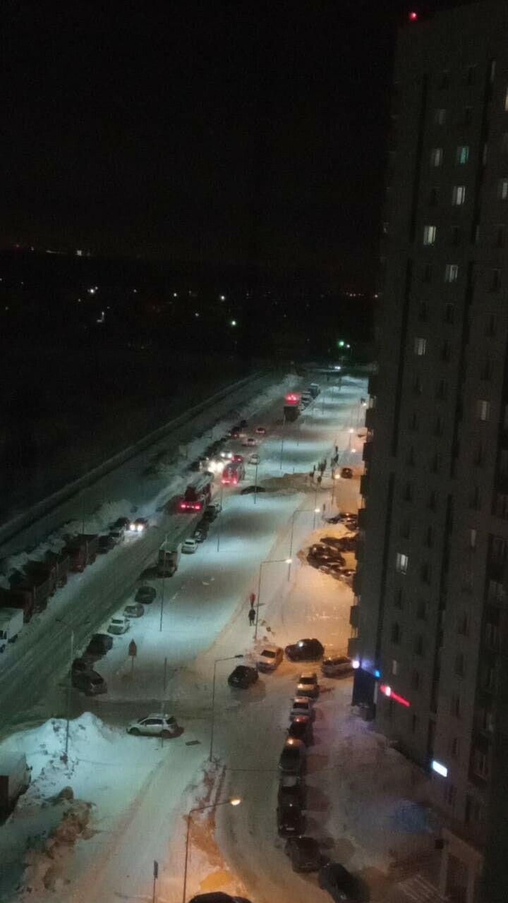 В казанской высотке загорелся натяжной потолок, жильцы спаслись