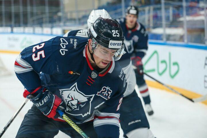 Хоккейный клуб «Нефтехимик» объявил о расставании с тремя легионерами