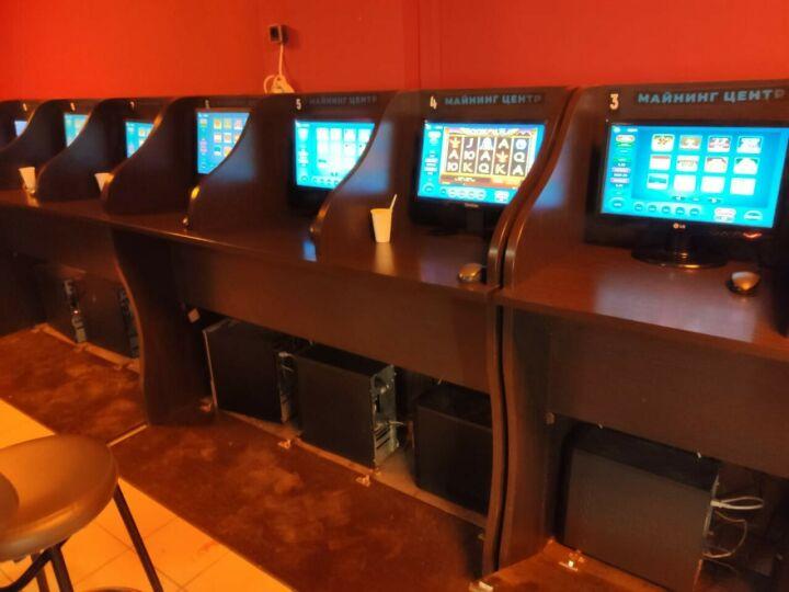 В Казани прикрыли подпольное казино,  в этот момент в нем находились 11 игроков