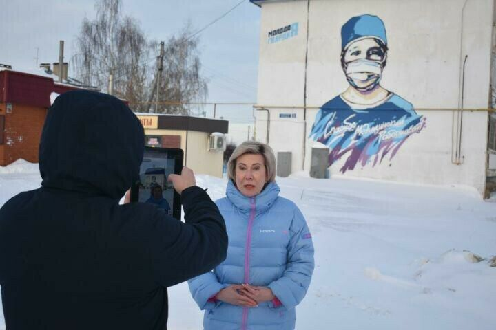Ольга Павлова рассказала об истории одного граффити из проекта «Спасибо врачам»