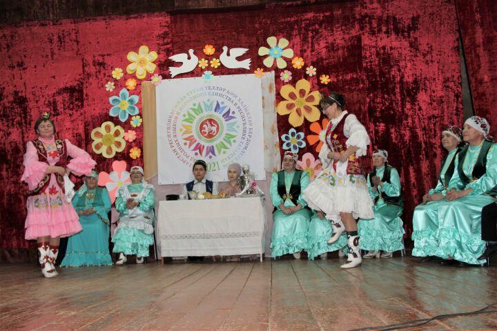 В Тетюшах состоялся фестиваль национальных культур по мотивам народных обычаев