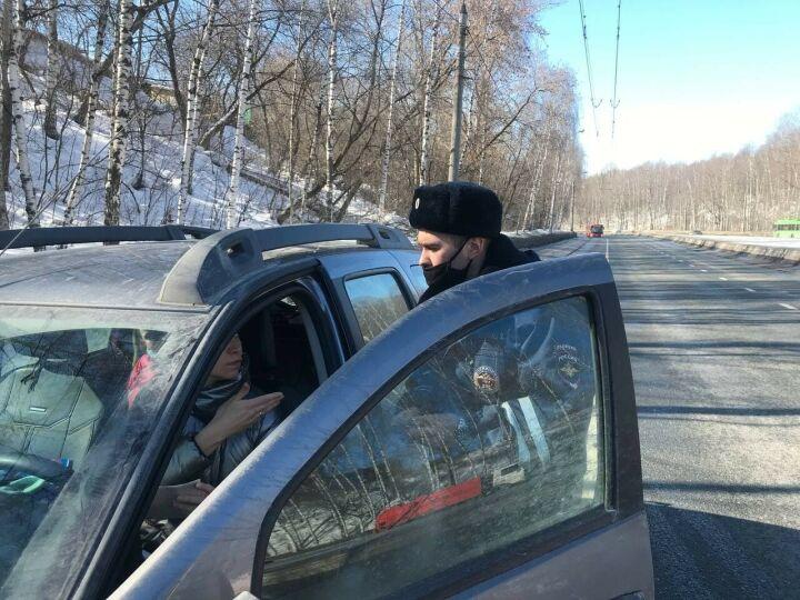«Не видел, не слышал»: ГИБДД Казани проверила, уступают ли водители дорогу скорой