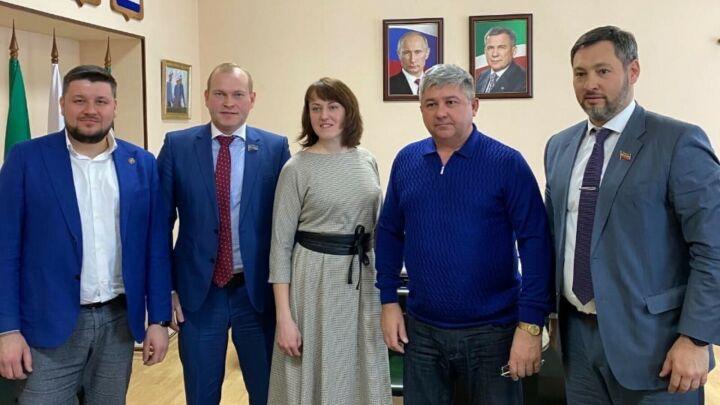 Олег Коробченко открыл отделение «Партии Роста» в Зеленодольске