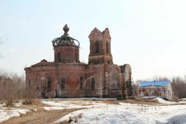 Жители Спасского района РТ восстановили в Покровской церкви молельный дом
