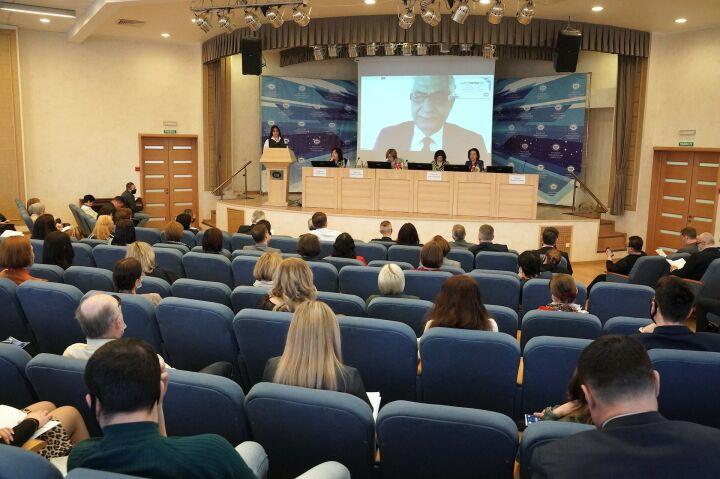 Мировые эксперты на форуме в Казани предсказали «революцию переобучения»
