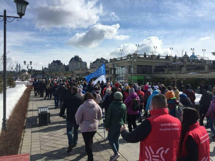 Казанцы прошли «10 тысяч шагов к жизни» по Кремлевской набережной