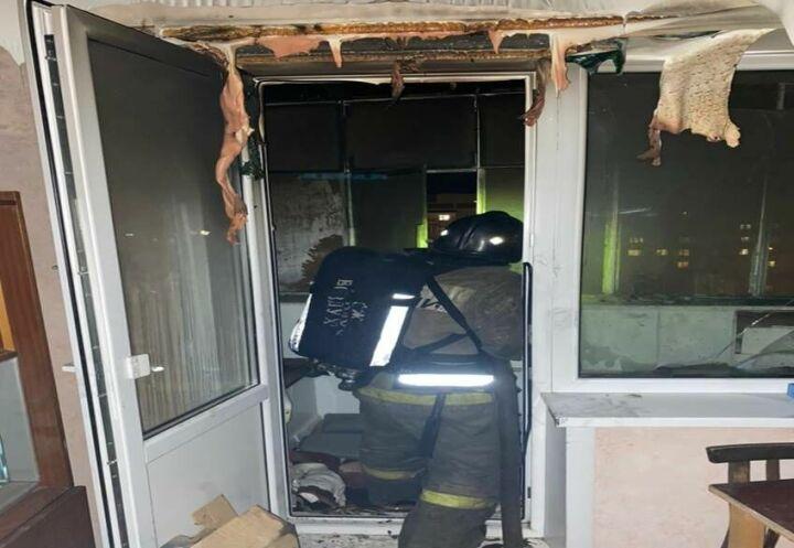 Из-за пожара на балконе казанской девятиэтажки пришлось эвакуироваться десятерым жильцам