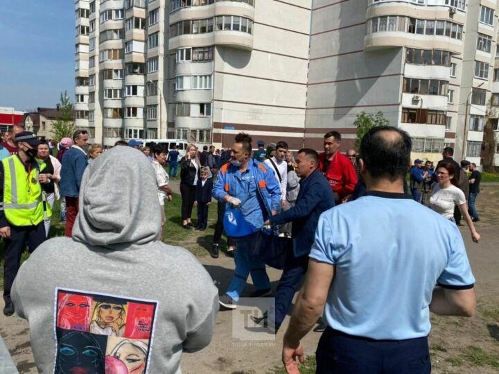 Хроника страшной трагедии в казанской школе, где во время стрельбы погибли дети