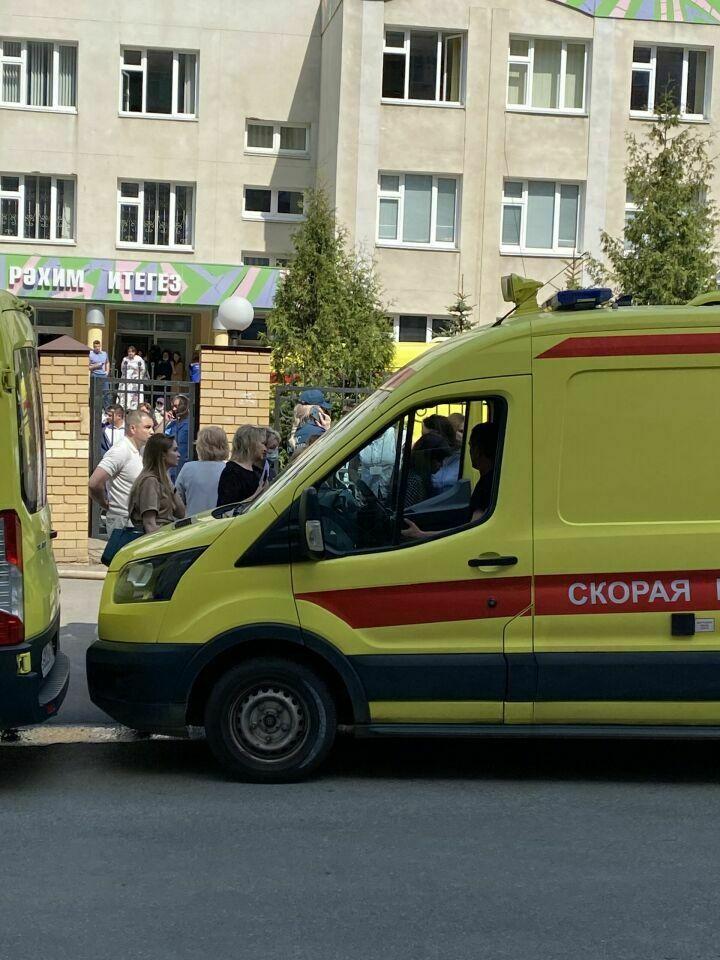 Семьям погибших в школе Казани выплатят миллион рублей: власти РФ и РТ дали ряд поручений