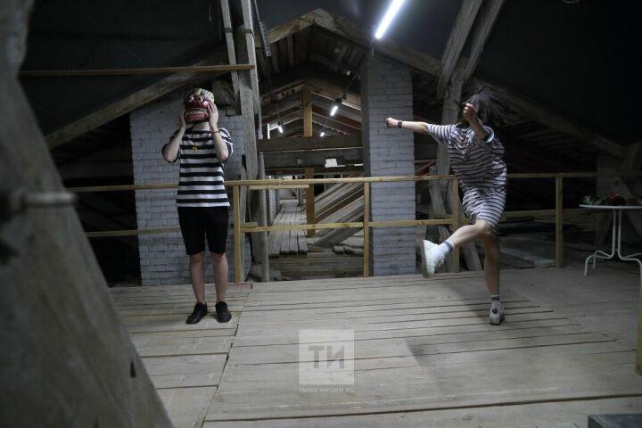 Чердак усадьбы Сандецкого стал на ночь местом выставки индонезийских масок Музея ИЗО РТ