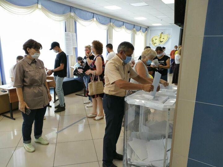 Глава Лаишевского района РТ отдал свой голос на предварительном голосовании «ЕР»