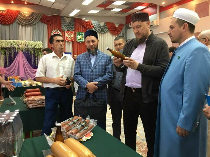 Более 100 лучших бизнесменов-мусульман со всей России собрались в Арске