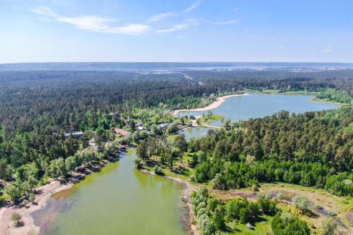 Экологи призывают продолжить экореабилитацию Лебяжьих озер и спасти ирисовые поля