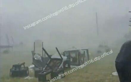 В Арске на праздновании Сабантуя ураган унес столы и батуты
