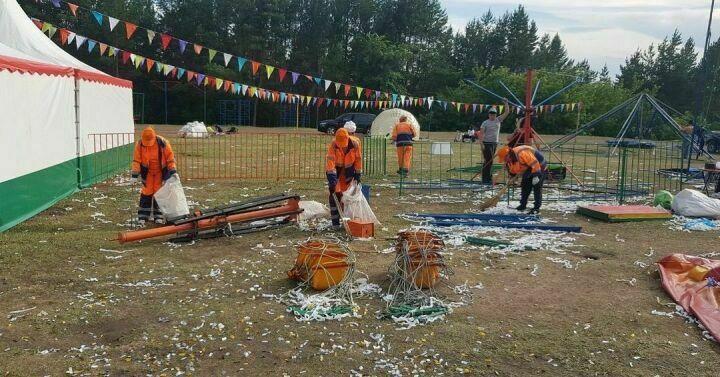 Альметьевцев возмутили горы оставленного после Сабантуя мусора
