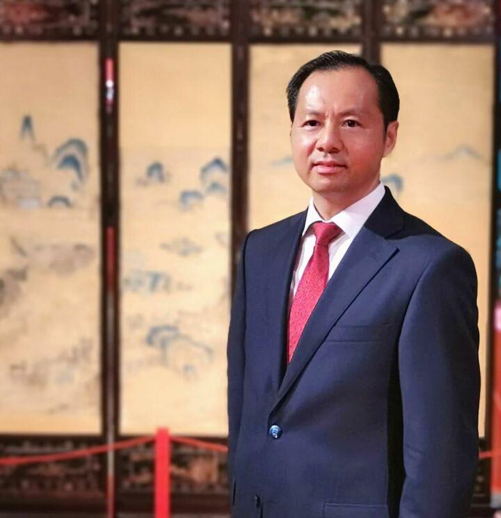 У Инцинь: закон о противодействии санкциям гарантирует расширение открытости Китая