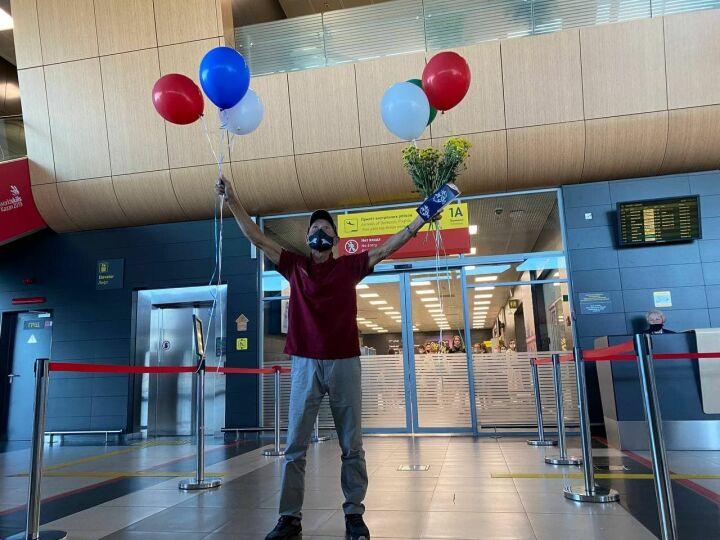 «Думал, земля большая, а оказался шарик»: капитан Алеев вернулся в Казань из кругосветки