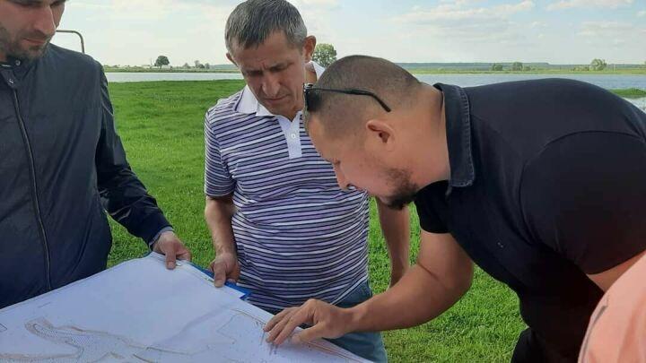 В лаишевском селе Державино началась очистка пруда по нацпроекту «Экология»