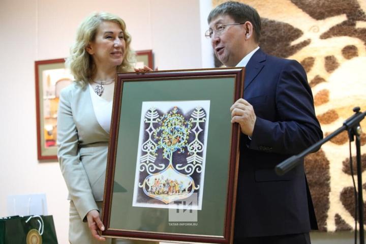Министр культуры Якутии о договоре с РТ: Наши архивы и библиотека будут работать вместе